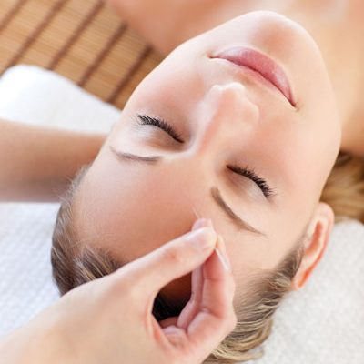 Balance_Relaxed-Woman-Receiving-Acupuncture